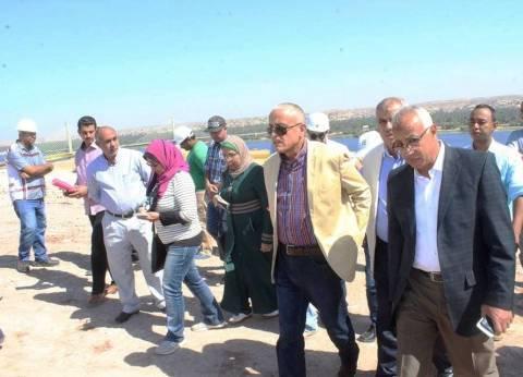 نائب رئيس هيئة المجتمعات العمرانية يتفقد عدد من مشروعات أسوان الجديدة