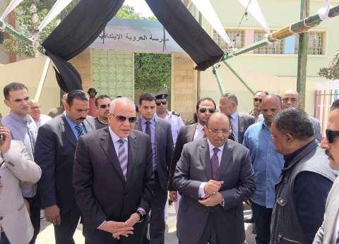 بالصور| وزير التنمية المحلية يتفقد لجان الجيزة ويشكر المرأة المصرية