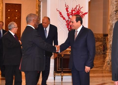 """السيسي يؤكد لـ""""مبيكي"""" دعم مصر الكامل لأمن واستقرار السودان"""