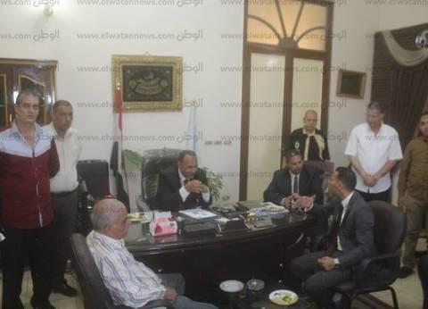بالصور| رئيس مدينة دسوق يستقبل المهنئين بالعيد ويشيد بالأمن
