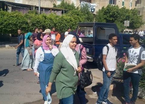 686 طالبا بالثانوية يؤدون امتحان اللغة الأجنبية الثانية في جنوب سيناء