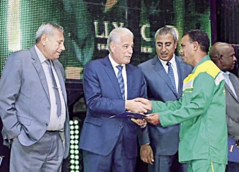 مكافأة لعمال شرم الشيخ لجهودهم خلال المنتدى