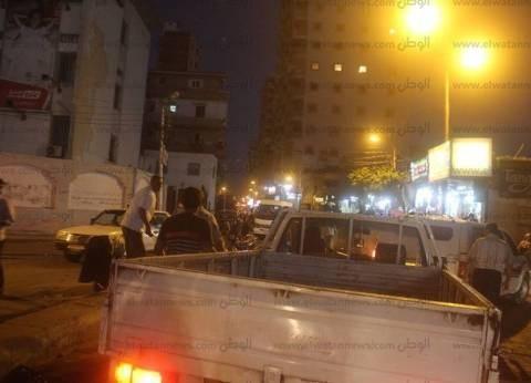 حملة بحي شرق لإزالة إشغالات المقاهي على طريق الكورنيش في الإسكندرية