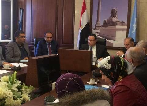 """محافظ الإسكندرية يأمر بالتحقيق مع """"المتقاعسين"""" عن أداء أعمال النظافة"""