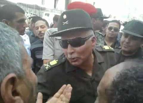 قائد المنطقة الشمالية العسكرية يتفقد اللجان الانتخابية في البحيرة