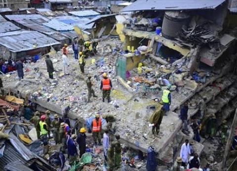 بالصور| انهيار عمارة من 7 طوابق في نيروبي بسبب الأمطار