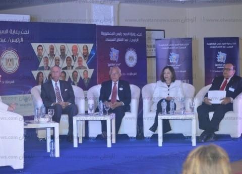 فاروق الباز يطالب بدعم منظومة التعليم الجديدة في مصر
