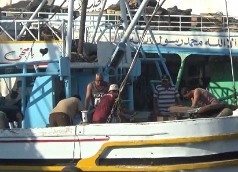 """""""أبوالحسن"""": عودة حركة مراكب الصيد في خليج السويس بعد توقف 10 أيام"""
