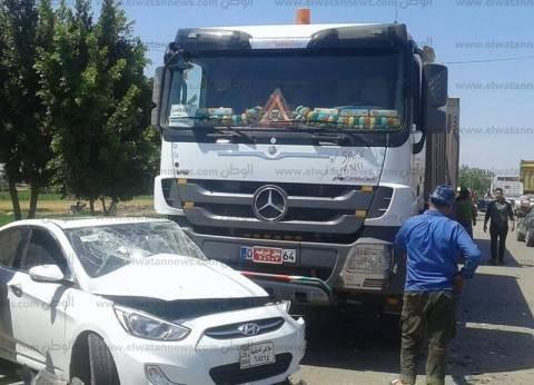 مصرع 2 وإصابة 12 في تصادم 3 سيارات بصحراوي المنيا