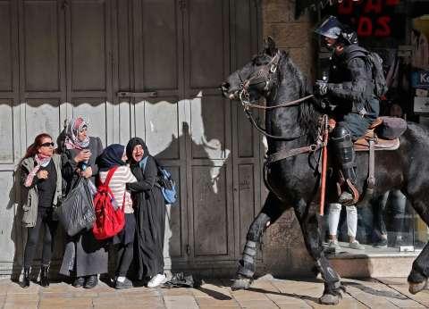 القدس: الاحتلال يلجأ لـ«الرصاص والغاز» لمواجهة الفلسطينيين