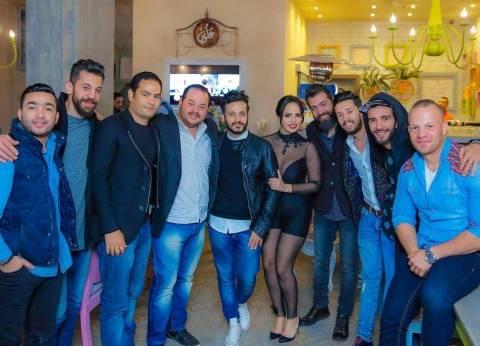 بالصور| ريهام غنيم تحتفل بعيد ميلادها بحضور عصام كاريكا وإيساف