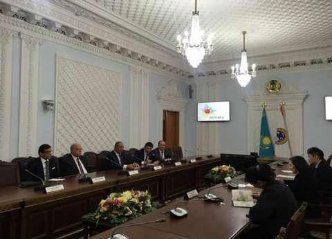"""محافظ البحر الأحمر يبحث تنشيط السياحة مع نائبة """"ألماتي الكازاخستانية"""""""
