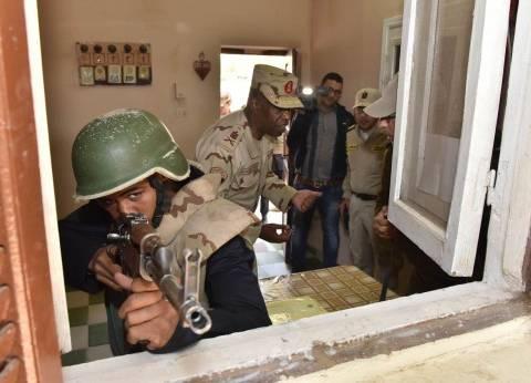 محافظ أسيوط وقائد قوات الدفاع الشعبي يشهدان سيناريو محاكاة لهجوم إرهاب
