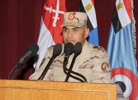 القائد العام للقوات المسلحة يستقبل وزير الدفاع الأمريكي