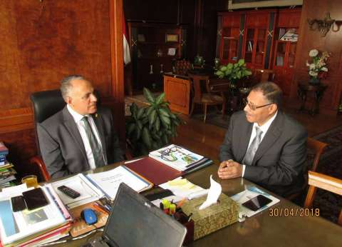 وزير الري يبحث مع رئيس مركز بحوث المياه آليات تنمية الموارد المائية