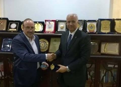 رئيس جامعة الإسكندرية يستقبل الملحق الثقافي الليبي