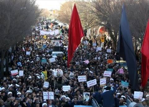 عاجل| وقوع جرحى في إيران جراء اندلاع اشتباكات بين محتجين وقوات الأمن