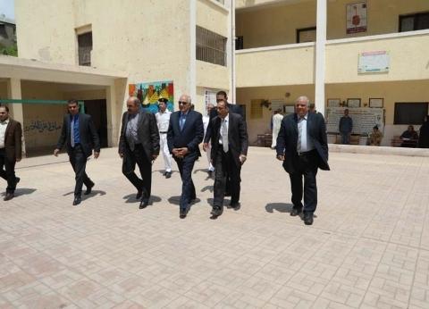 أحمد راشد يتفقدلجان الاستفتاء في جنوب الجيزة