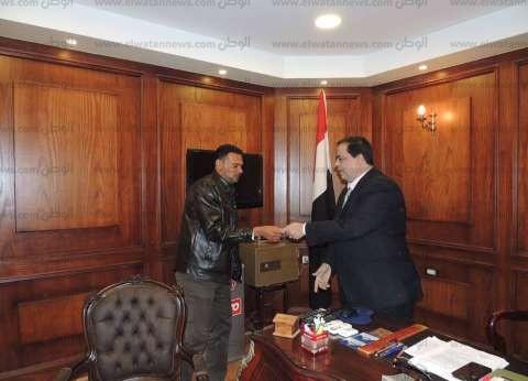 بالصور| مدير أمن كفر الشيخ يسلم رخص قيادة مجانية للمواطنين