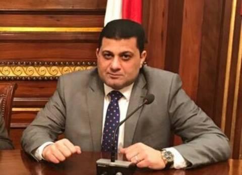 نائب يطالب بعقد اجتماع طارئ لحل أزمة مكافآت المعلمين
