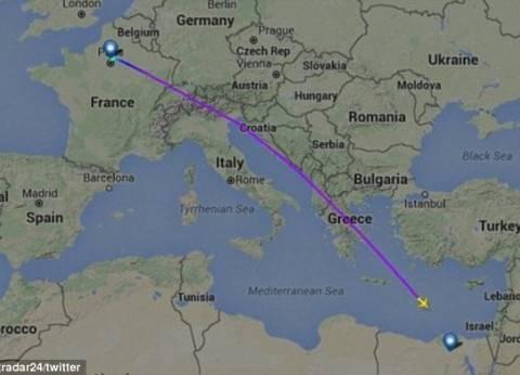 السلطات اليونانية تحقق مع صاحب سفينة يونانية شاهد ضوءا في السماء
