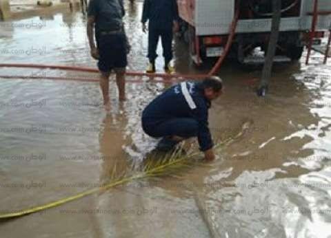 الحماية المدنية تساهم في شفط مياه الأمطار من شوارع البحيرة
