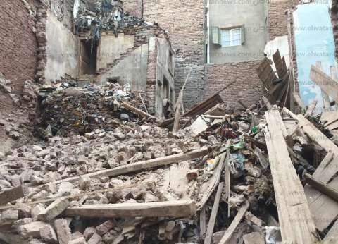 انهيار منزل خال من السكان غرب المنصورة في الدقهلية