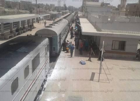 السيطرة على حريق اندلع بقطار الصحافة في أسيوط