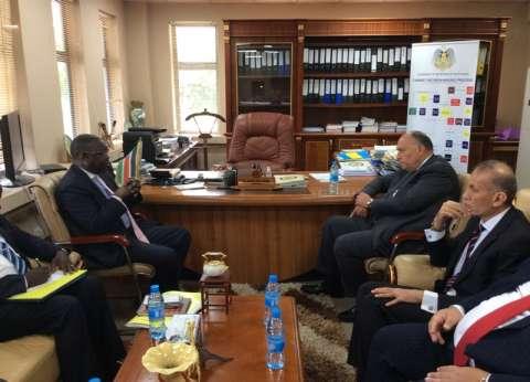 شكري يبحث التعاون الثنائي مع القائم بأعمال وزير خارجية جنوب السودان