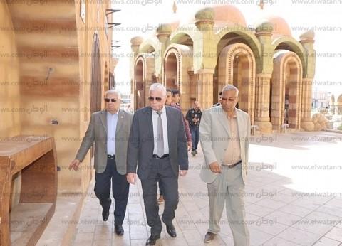 محافظ جنوب سيناء يتفقد أعمال تطوير السوق التجاري في شرم الشيخ