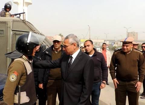 مدير أمن المنيا يتفقد الأكمنة الحدودية على الطرق الصحراوية