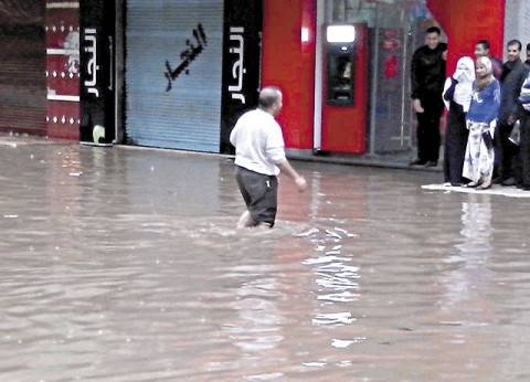 البحيرة: 14 حالة وفاة.. وغرق 3 قرى جديدة.. والمياه تحاصر «إدكو»