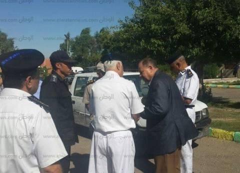 """""""المرور"""" تضبط 4 سائقين لعدم التزامهم بالتعريفة الجديدة في قنا"""
