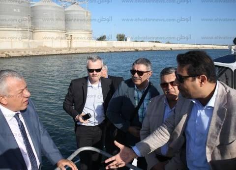 """رئيس ميناء دمياط يلتقي وفد """"دلتاريس"""" الهولندي ورئيس هيئة النقل النهري"""