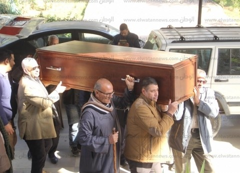 """لماذا غابت الابنة الوحيدة لـ""""كاميليا السادات"""" عن جنازة والدتها؟"""