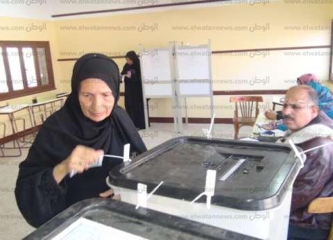 سيارات تنقل الناخبين للإدلاء بأصواتهم في الزيتون