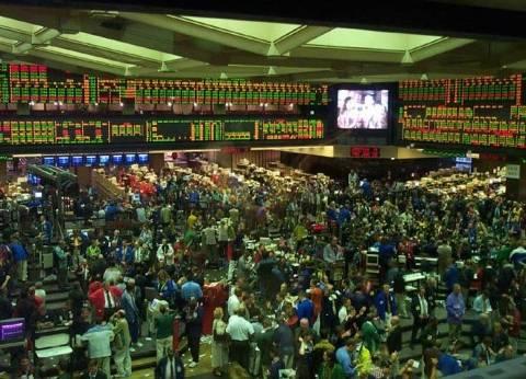 """تعافي """"البورصة المصرية"""" وأداء ضعيف لأسواق الأسهم الخليجية"""