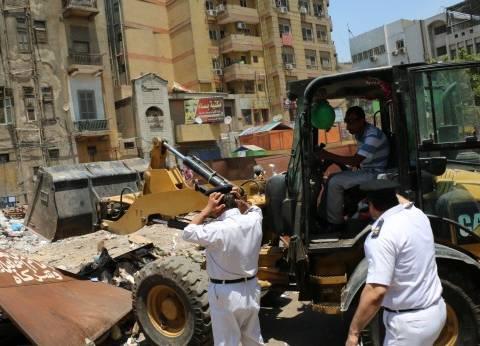حملات أمنية لإزالة المخالفات بحي المعادي