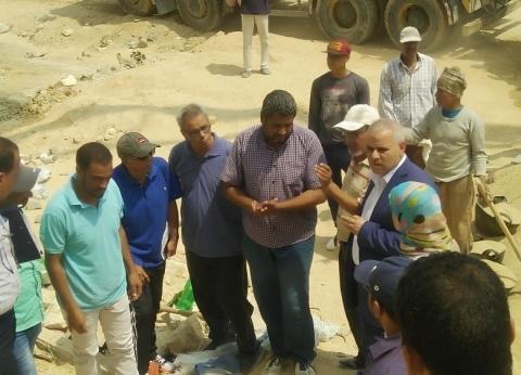 بالصور| مساعد نائب المجتمعات العمرانية يتفقد مشروعات 15 مايو