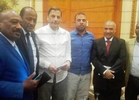"""""""الدابودية والهلالية"""" يطالبون مستشار الرئيس """"للأمن القومي"""" بنقل المحتجزين من سجن أسيوط إلى قنا"""
