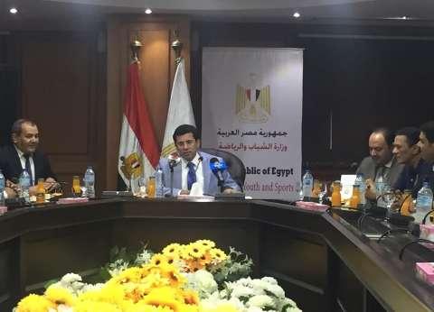 وزير الرياضة يكشف كواليس جديدة في أزمة «صلاح» مع اتحاد الكرة