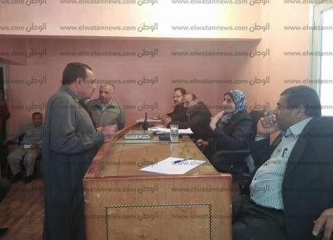 بالصور| رئيس مدينة الحامول تبحث شكاوى المواطنين وتوجه بحلها