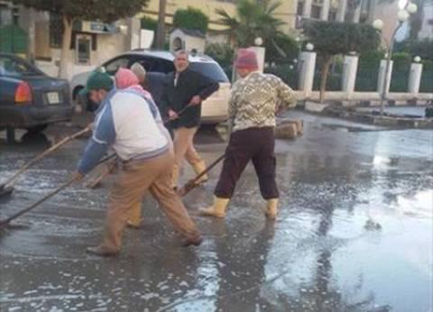 رئيس مجلس مدينة المحلة يخصص سيارات لكسح وشفط مياه الصرف الصحي أمام دار للأيتام