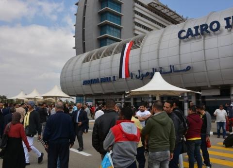 إقبال كبير بلجنة مطار القاهرة في ثاني أيام الاستفتاء
