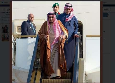وصول الملك سلمان إلى مقر انعقاد القمة العربية- الأوروبية بشرم الشيخ