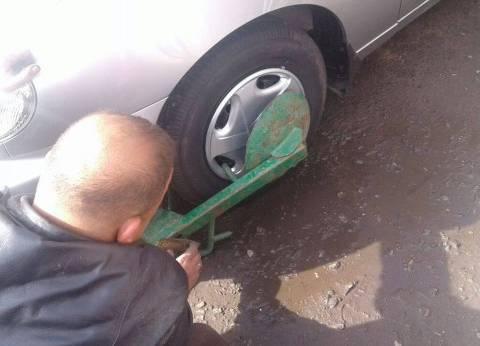 تكبيل 175 سيارة مخالفة في حملة مرورية بالقاهرة خلال 24 ساعة