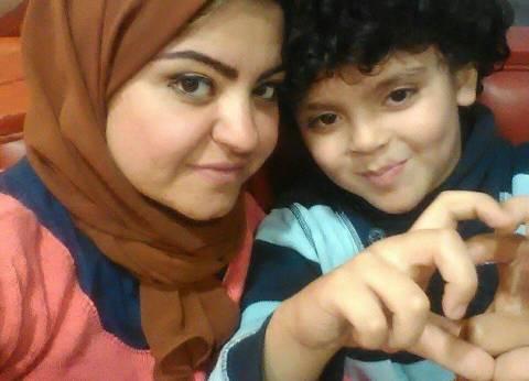 مطلقات يواجهن تمييز المجتمع ضدهن بتأسيس صفحات على «السوشيال ميديا»: «الأحزان تجمعنا»