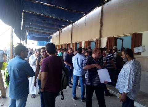 إقبال كبير من طلبة الشهادات العربية المعادلة على منافذ تسليم الملفات