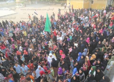 محافظ قنا يتفقد عددا من اللجان في قرى المحافظة