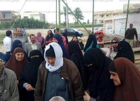 بالصور| زيادة نسبة الإقبال بلجان الاستفتاء بكفر الشيخ